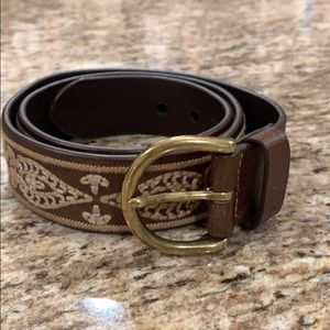 Eddie Bauer leather belt with embroidery